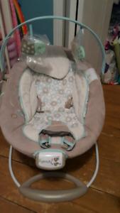 1 baby chair. 2 swings