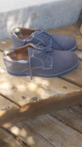 Grey dress shoes - Boys size 4Y