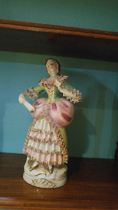 For sale few sets of porcelain and metal figurines