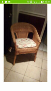 fauteuil rotin (St-Hubert rive sud)