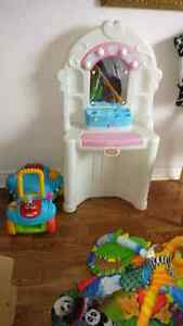 Little tikes mirror makeup station Peterborough Peterborough Area image 1