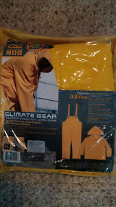 Rain Suit, new in package Cambridge Kitchener Area image 2