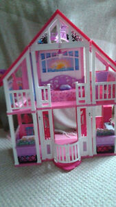 Barbie House Malibu Dream House