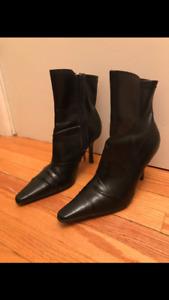 Black heel boots size 5.5 $10