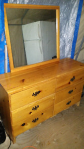 Dresser&Mirrior, Delivery Available