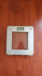 Digital glass scale in great condition