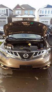 2012 Nissan Murano Platinum Edition SUV, Fully loaded!