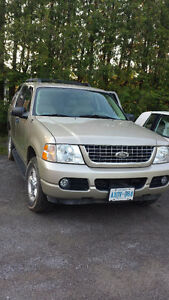 2005 Ford Explorer XLT SUV, Crossover