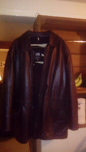 SIZE 52 BROWN LEATHER JACKET