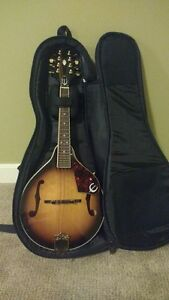 Epiphone mandolin w/ case-Good condition