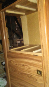 Long dresser with mirror & 6 Drewers