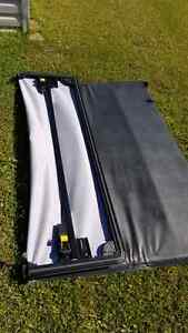 Tri fold tonneau cover crew cab 09 ram and up. Cornwall Ontario image 2