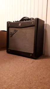 Fender Mustang I  (v 2.0) Amplifier