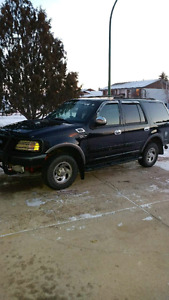 2001 Ford Expedition awd / 4x4, 7 seater