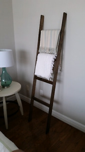 Rustic blanket / quilt ladder
