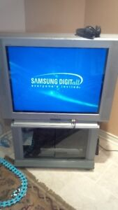 Sony 36 inch TV Trinitron fonctionne bien, works good 65$