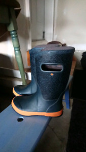 BOGS rainboots (Youth sz 3)