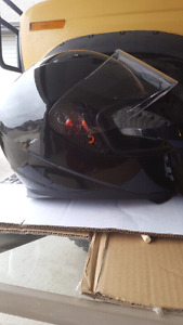 Mens Medium Motorcycle Helmet