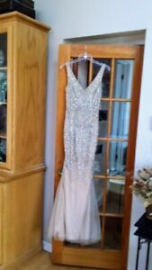 MOTHER OF THE BRIDE DRESS (SMALL-MEDIUM)