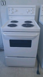 """24""""STOVE WHITE ELECTRIC FRIGIDAIRE ALMOST BRAND NEW"""