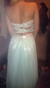 TURQUOISE/BLUE PROM DRESS WORN ONCE SIZE 1/2-4