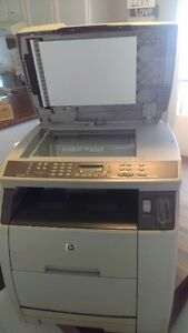 Imprimante laser couleur HP Colorlaserjet 2840