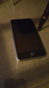 1ST GEN IPOD TOUCH 8GB *COLLECTABLE*