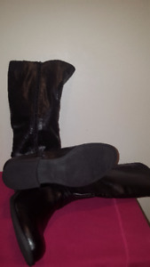 Nice Winter Boots Size 9