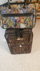 Luggage size medium and carry on luggage