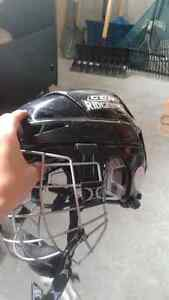 CCM Helmet with Brand New Itech Mask Peterborough Peterborough Area image 2