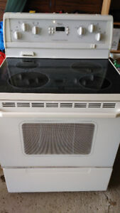 whirlpool electric self cleaning glass top stove Sold PPU