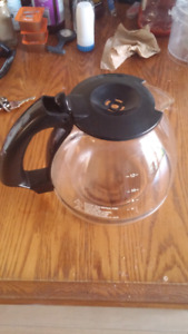 Carafe/ coffee pot(only). Fits on Proctor-Silex(unfonctionnal)