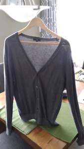 Men's size large GAP sweater
