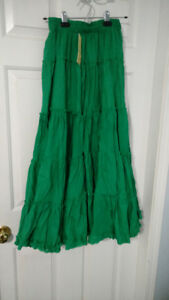 Ladies layered green skirt size