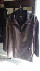 Brown Leather Jacket (Danier) - Manteau de cuir brun (Danier)