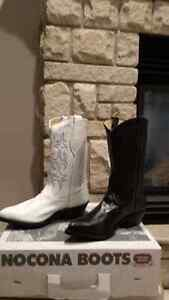A variety of women's new Cowboy boots