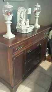 Antique Duncan phyfe buffet hutch Kingston Kingston Area image 2