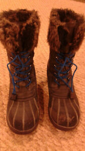 Ladies Winter Boots size 38 (size 7)