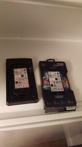 Lifeproof Case For IPHONE 5C ** PLEASE READ**