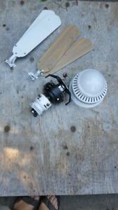 Ventilateur de plafond blanc/bois 20$
