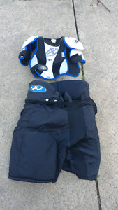 Hockey pans and body protector