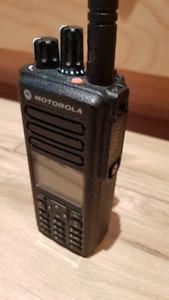 Like New MOTOROLA XPR 7580e IS Portable Two-Way Radio (CSA)
