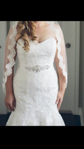 Beautiful Alfred Angelo wedding dress