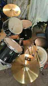 cb drum set buy or sell drums percussion in ontario kijiji classifieds. Black Bedroom Furniture Sets. Home Design Ideas