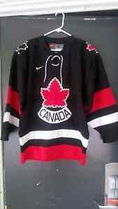 AUTHENTIC TEAM CANADA HOCKEY JERSEY