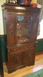 Dining Room Cabinet / Hutch