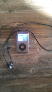 160 GB iPod Classic with cord
