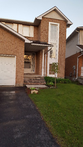$2500-Close to the university-Water Included- 3beds,Oshawa