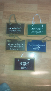 5 wall plaques