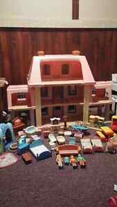 Doll House and More Toys